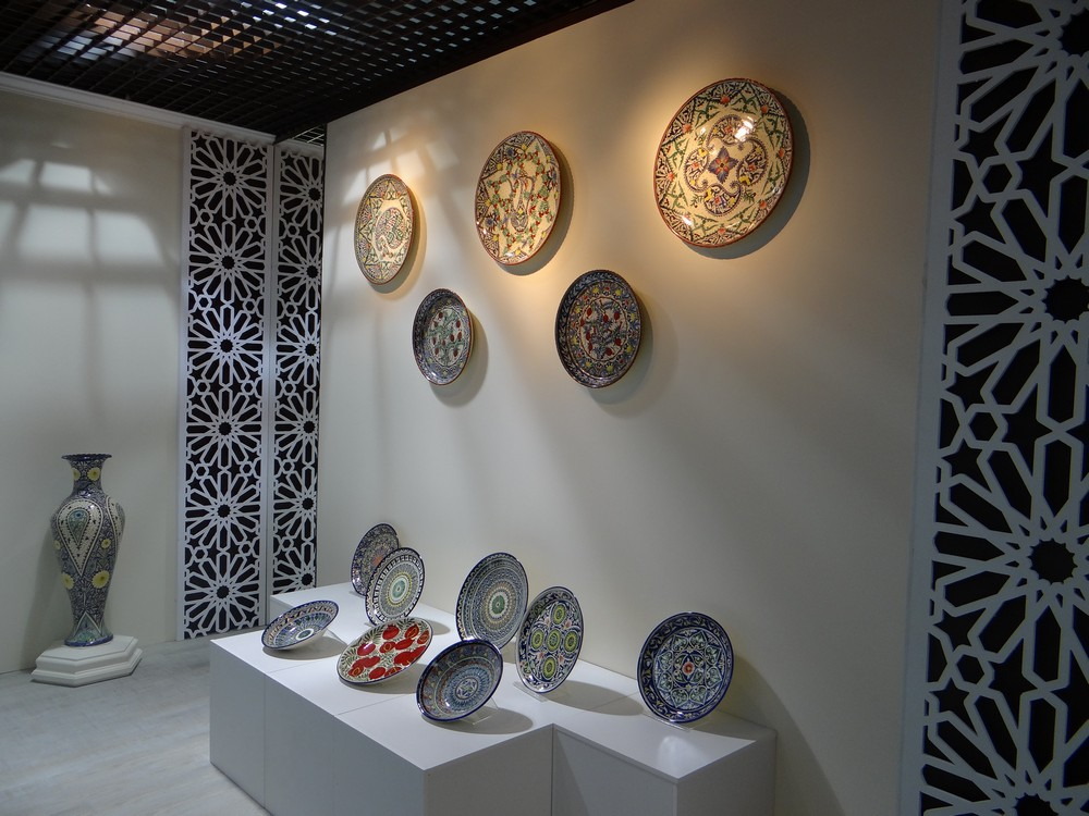 Wall Tables and Dishes